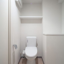 トイレ(同物件別部屋)