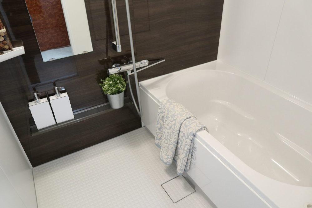 浴室(浴室暖房乾燥機能付きのユニットバスに交換しました)